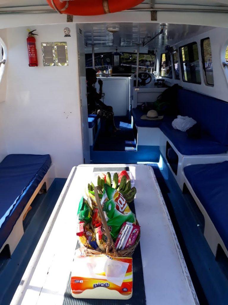 charter speed boat komodo