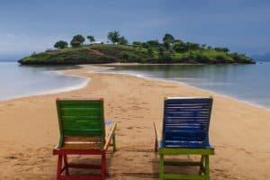 Paket Tour Pantai Lariti